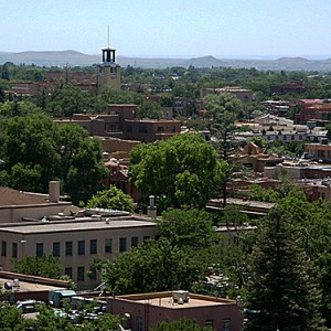 """Santa Fe, New Mexico. Image by user """"Camerafiend"""" from Wikimedia Commons, resized under Creative Commons."""